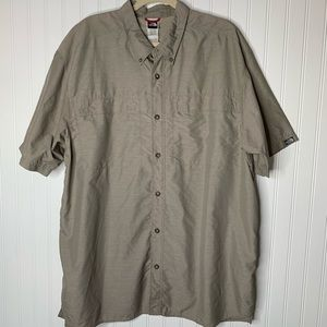The North Face vented short sleeve shirt mens XXL